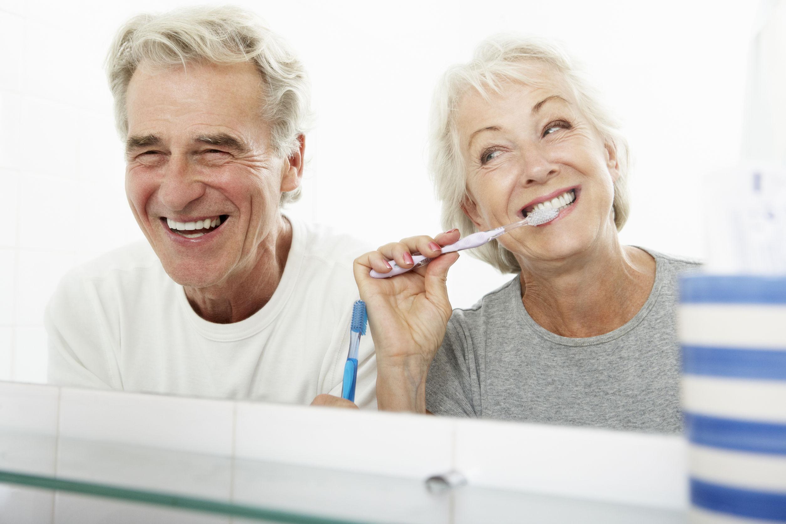 Erős szájszag? Otthoni praktikák kellemetlen lehelet ellen - EgészségKalauz