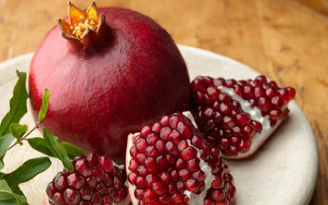 parazitaellenes gyümölcs)