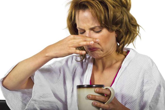 Légzési szagot okoz és hogyan lehet eltávolítani)