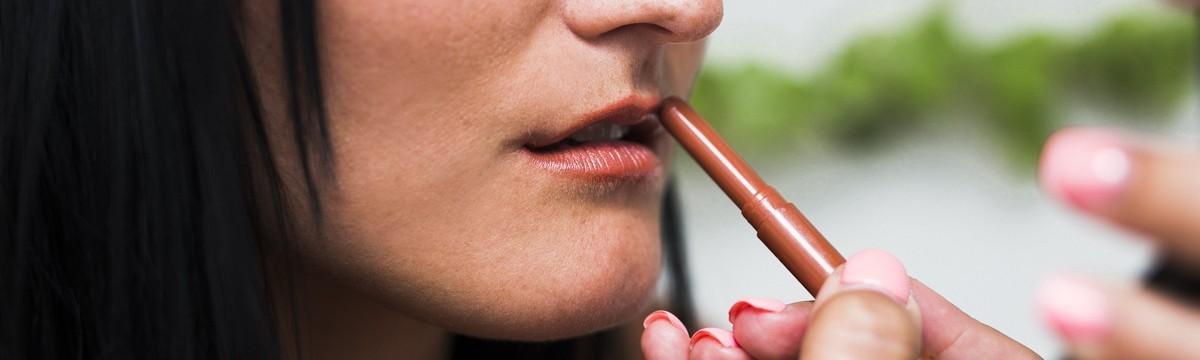 hogyan lehet eltávolítani az adzsika szagát a szájról