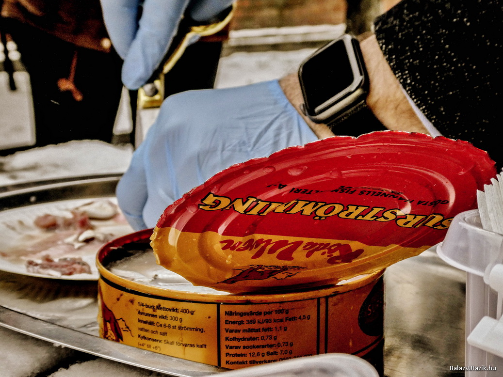 konzerv étel parazitákkal)