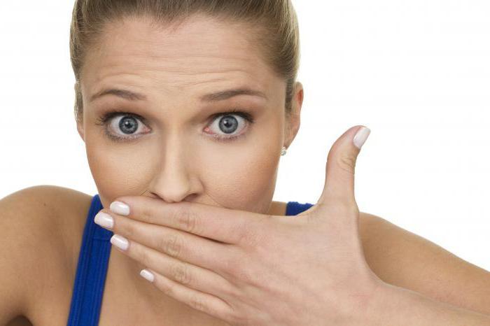 Légzési szagot okoz és hogyan lehet eltávolítani rossz lehelet a vakbélgyulladás után